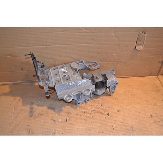 Купить Кронштейн опоры КПП для Nissan Qashqai (J10) 2006-2014;X-Trail (T31) 2007-2014;Qashqai+2 (JJ10) 2008-2014 в Интернет-магазине