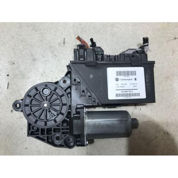 3D2959793E Моторчик стеклоподъемника VW Touareg 1 купить в Интернет-магазине