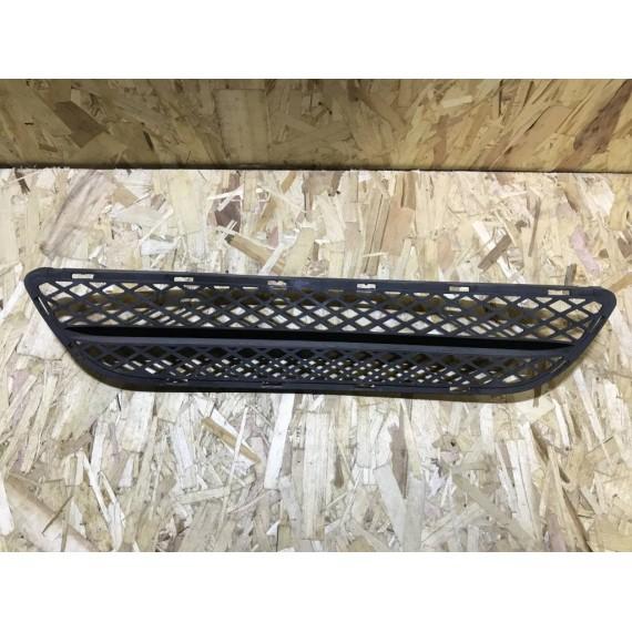 Купить Решетка бампера центр BMW E90 51117154556 в Интернет-магазине