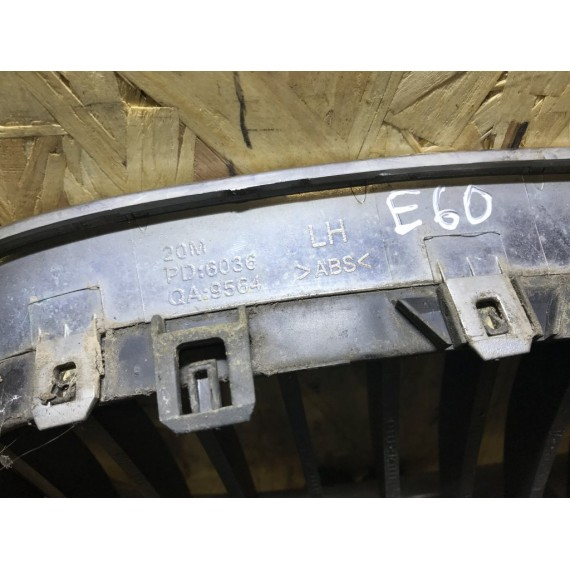 51137065701 Решетка радиатора левая Е60 купить в Интернет-магазине