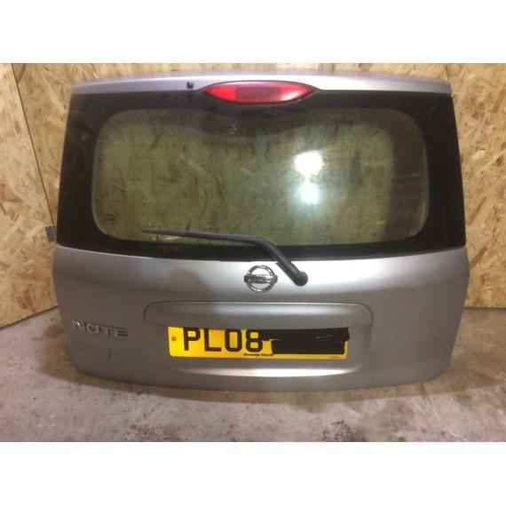 903009U000 Крышка багажника Nissan Note купить в Интернет-магазине