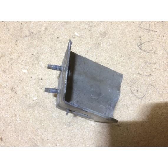 62211AU300 Кронштейн усилителя левый Nissan купить в Интернет-магазине