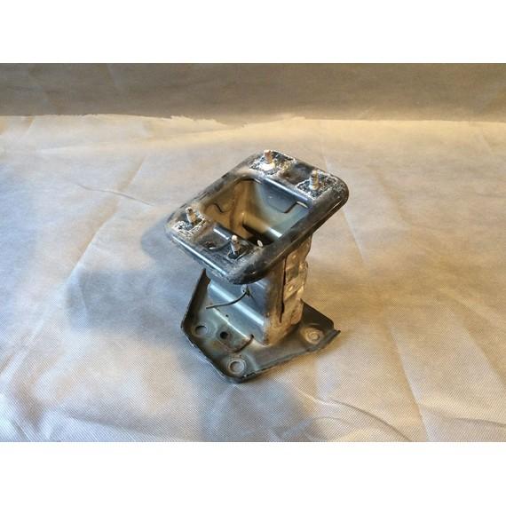 Купить Кронштейн усилителя переднего бампера левый для Nissan Note (E11) 2006-2013 в Интернет-магазине