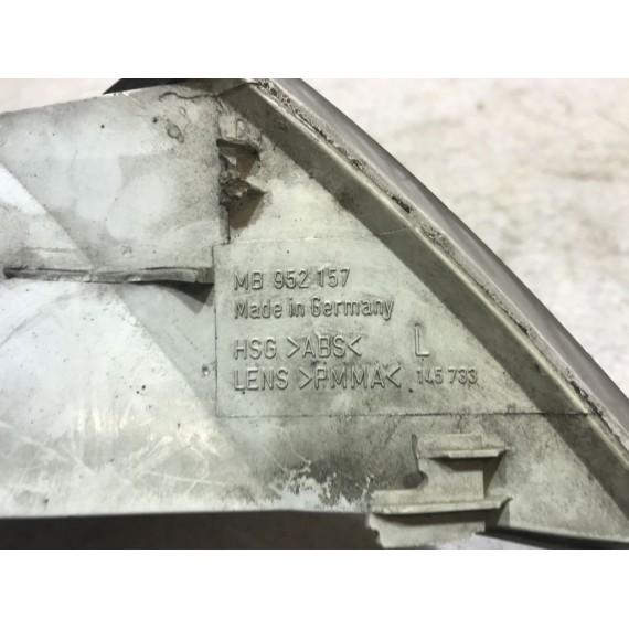 MB952157 Поворотник левый Mitsubishi Carisma купить в Интернет-магазине