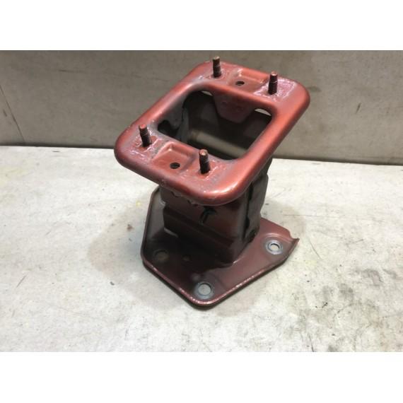 751159U00A Кронштейн  усилителя Nissan Note E11 купить в Интернет-магазине
