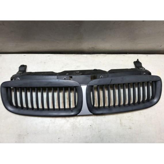 51137037727 Решетка радиатора BMW 7 E65 купить в Интернет-магазине