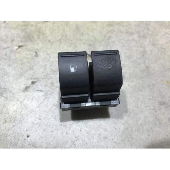 7L6959903 Кнопки багажника и бака VW Touareg 1 купить в Интернет-магазине